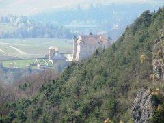 Castel-Thun-visto-dai-Sassi-di-Corni.JPG