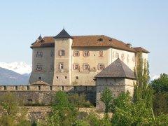 Castel_Thun_da_sud.JPG